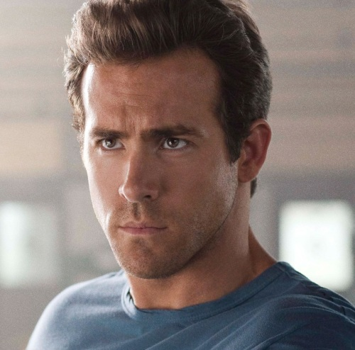 ryan-reynolds-in-green-lantern-1920x1200